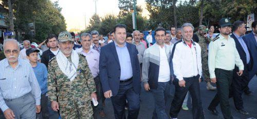 همایش بزرگ پیاده روی خانوادگی در رودهن برگزار شد .