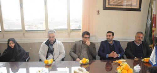 بازدید اعضای شورای اسلامی شهر و شهردار رودهن از مرکز علمی کاربردی شهرداری رودهن به مناسبت روز دانشجو