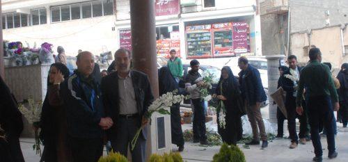 اهدا ۲۰۰۰ شاخه گل توسط شورای اسلامی شهر و شهرداری رودهن به مناسبت آخرین پنجشنبه سال به شهروندان