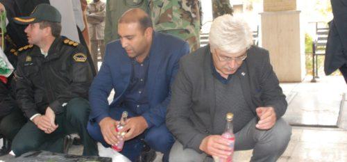 غبارروبی و عطر افشانی مزار شهدای شهر رودهن